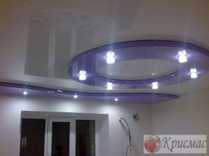 Двухуровневый потолок на кухне, зональная подсветка