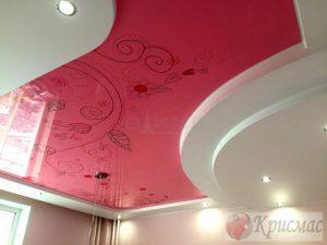 дизайнерский потолок в комнату девочки