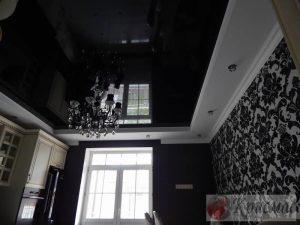 Черный дизайнеский потолок кухня