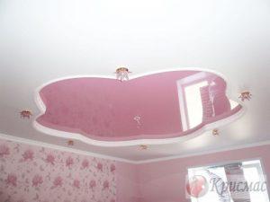 Бело-розовый двухуровневый потолок в детскую