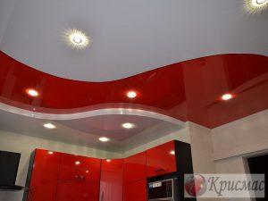 Двухуровневый потолок в тон кухонному гарнитуру