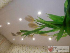 Фотопечать тюльпаны на потолок в детской