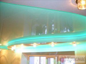 Салатовый потолок в детскую с подсветкой