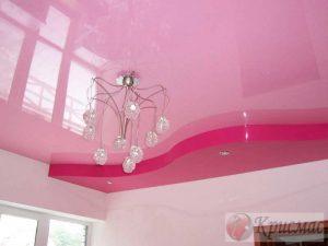 Двухуровневый розовый потолок