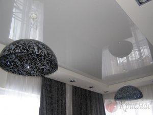 Светло серый потолок