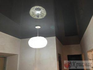 Темно серый потолок
