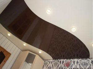 Комбинированный трехцветный натяжной потолок