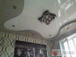 Дизайнерский двухуровневый потолок, гостиная
