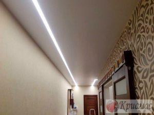Матовый потолок с линейной позсветкой