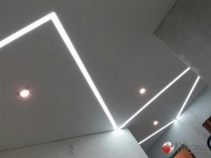 Натяжной потолок ломанные линии в прихожей