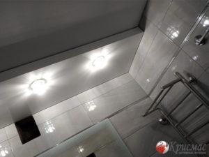 Двухуровневый натяжной потолок в ванную